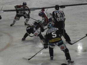 b_0_220_16777215_00_images_stories_Jahre_2013_20130215_Eishockey_4.jpg