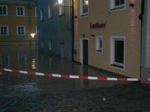 b_0_220_16777215_00_images_stories_Jahre_2013_20130602_Hochwasser_Schaerding_08.jpg